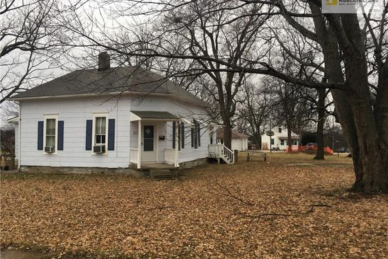 1 bed null bath Multi Family at 806 2nd & 1/2 St Belton, MO, 64012 is for sale at 90k - google static map