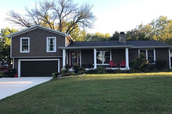 4 bed 3 bath Single Family at 415 W WILDWOOD DR MT ZION, IL, 62549 is for sale at 179k - google static map