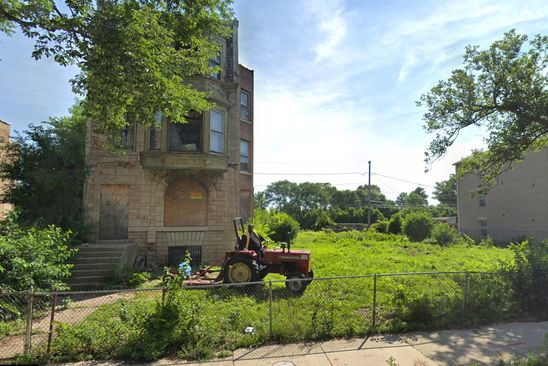 9 bed 3 bath Single Family at 4403 S Oakenwald Ave Chicago, IL, 60653 is for sale at 625k - google static map