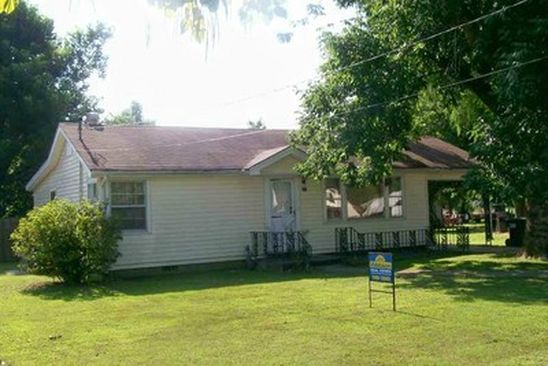3 bed 2 bath Single Family at 370 S 7TH AVE PIGGOTT, AR, 72454 is for sale at 70k - google static map