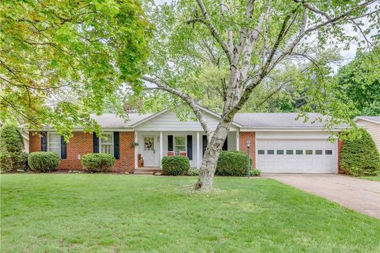 3 bed 2 bath Single Family at 435 GREEN MEADOW DR TALLMADGE, OH, 44278 is for sale at 170k - google static map