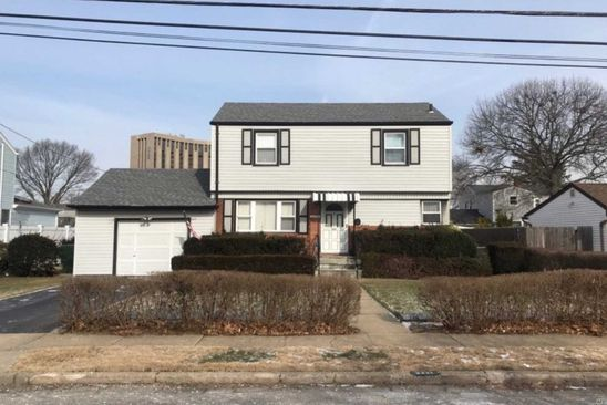 3 bed 2 bath Single Family at 2221 4th St East Meadow, NY, 11554 is for sale at 399k - google static map