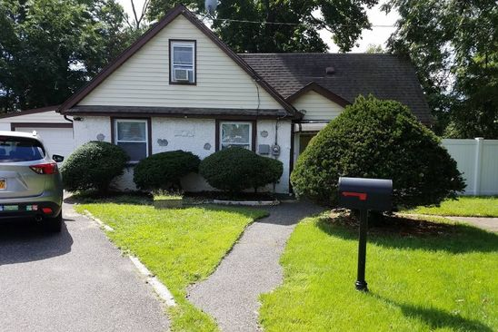 2 bed 2 bath Single Family at 12 W Smith St Amityville, NY, 11701 is for sale at 249k - google static map
