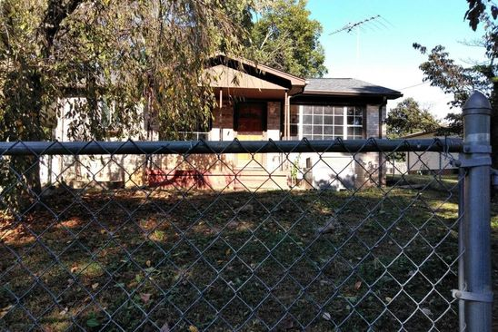2 bed 1 bath Single Family at 905 N D St Lenoir City, TN, 37771 is for sale at 70k - google static map