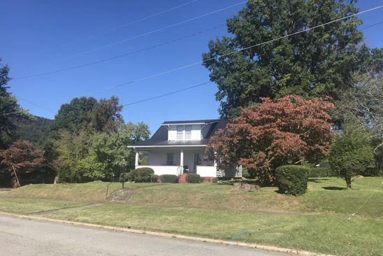 4 bed 2 bath Single Family at 229 4th St Erwin, TN, 37650 is for sale at 130k - google static map