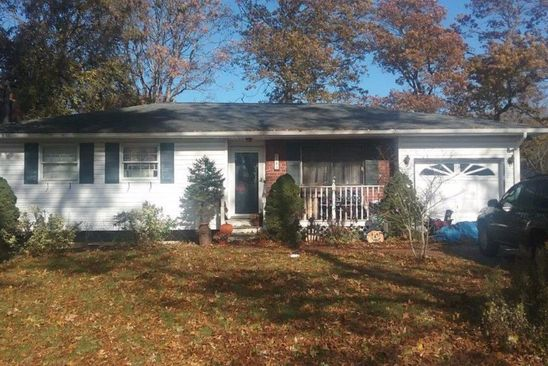 3 bed 1 bath Single Family at 183 Cherokee St Ronkonkoma, NY, 11779 is for sale at 265k - google static map