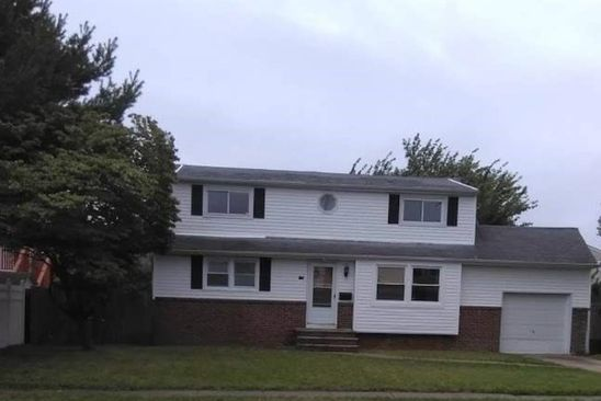 4 bed 2 bath Single Family at 155 S 2nd St Lindenhurst, NY, 11757 is for sale at 350k - google static map