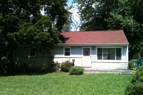 3 bed 1 bath Single Family at 349 Woodland Dr Grayslake, IL, 60030 is for sale at 100k - google static map