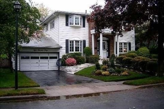 4 bed 3 bath Single Family at 840 GLENRIDGE AVE VALLEY STREAM, NY, 11581 is for sale at 1.20m - google static map
