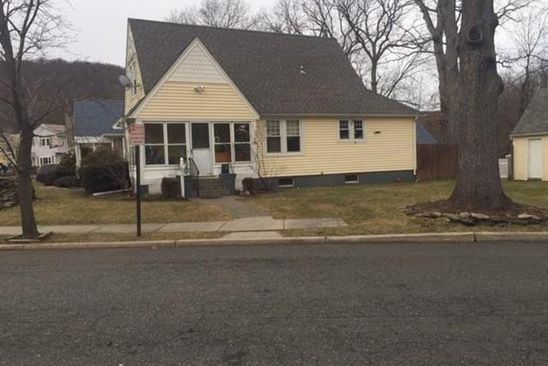 3 bed 3 bath Single Family at 16 WASHINGTON CIR SUFFERN, NY, 10901 is for sale at 350k - google static map