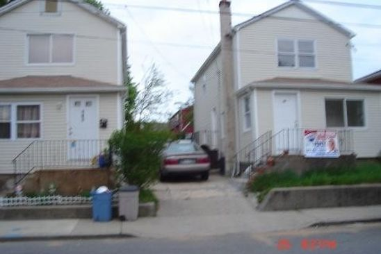6 bed 4 bath Multi Family at 141 Louis Ave Elmont, NY, 11003 is for sale at 749k - google static map