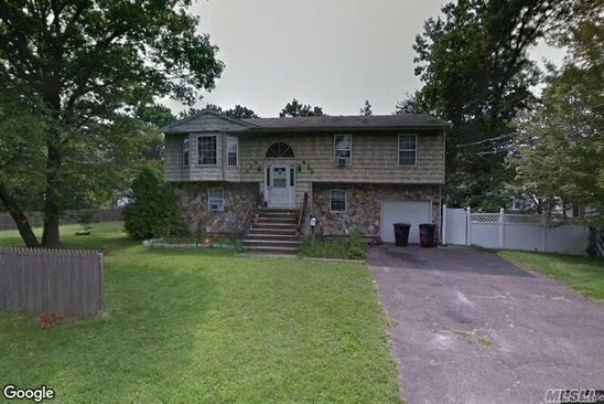5 bed 3 bath Single Family at Undisclosed Address BAY SHORE, NY, 11706 is for sale at 230k - google static map