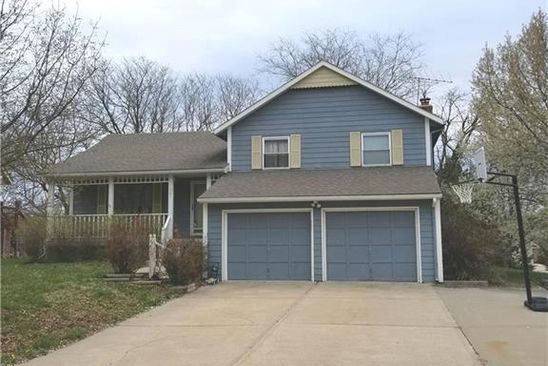 3 bed 3 bath Single Family at 501 NE BRISTOL DR LEES SUMMIT, MO, 64086 is for sale at 190k - google static map