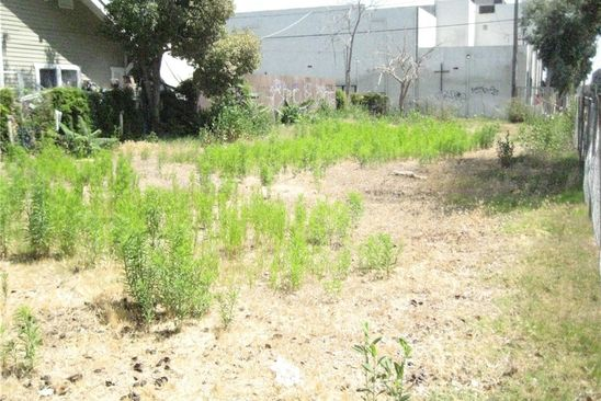 4 bed null bath Vacant Land at 972 E 42nd Pl Los Angeles, CA, 90011 is for sale at 430k - google static map