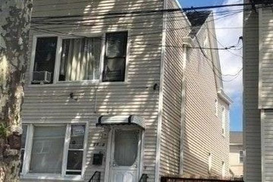 6 bed 3 bath Multi Family at Undisclosed Address Glendale, NY, 11385 is for sale at 945k - google static map