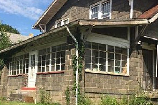4 bed 2 bath Single Family at 100 MAPLETON AVE GREENVILLE, PA, 16125 is for sale at 29k - google static map