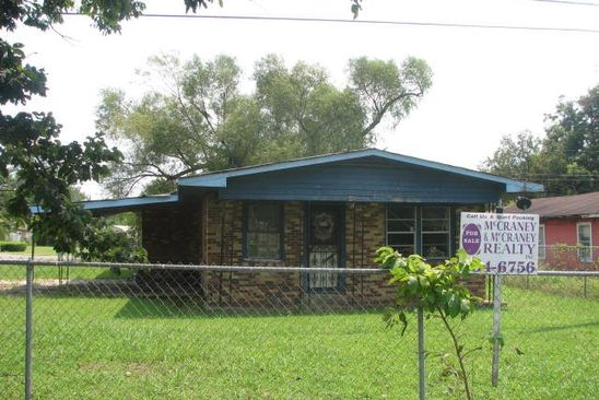 3 bed 2 bath Single Family at 1037 N BROADWAY ST GREENVILLE, MS, 38701 is for sale at 12k - google static map