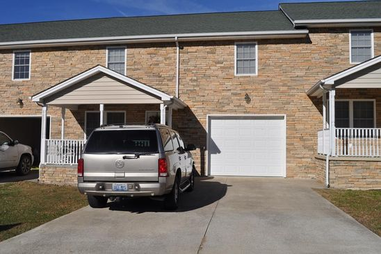 4 bed 3 bath Townhouse at 636 Clubhouse Dr Prestonsburg, KY, 41653 is for sale at 199k - google static map