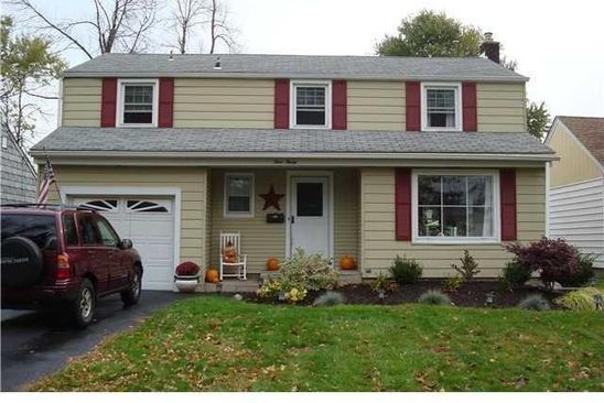 3 bed 2 bath Single Family at 430 Roycroft Blvd Amherst, NY, 14226 is for sale at 225k - google static map