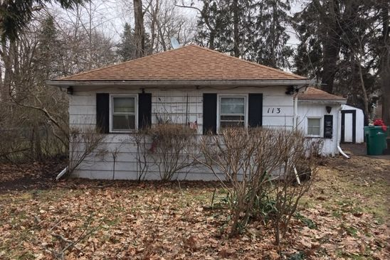 3 bed 1 bath Single Family at 113 Grove Ave Fox River Grove, IL, 60021 is for sale at 60k - google static map