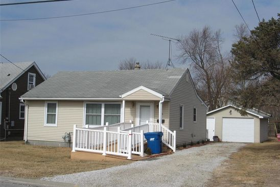 2 bed 2 bath Single Family at 246 JAMES ST BETHALTO, IL, 62010 is for sale at 75k - google static map