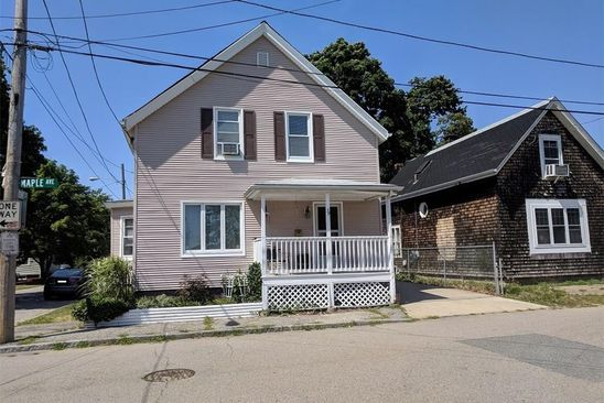 3 bed 2 bath Single Family at 39 MAPLE AVE RIVERSIDE, RI, 02915 is for sale at 125k - google static map