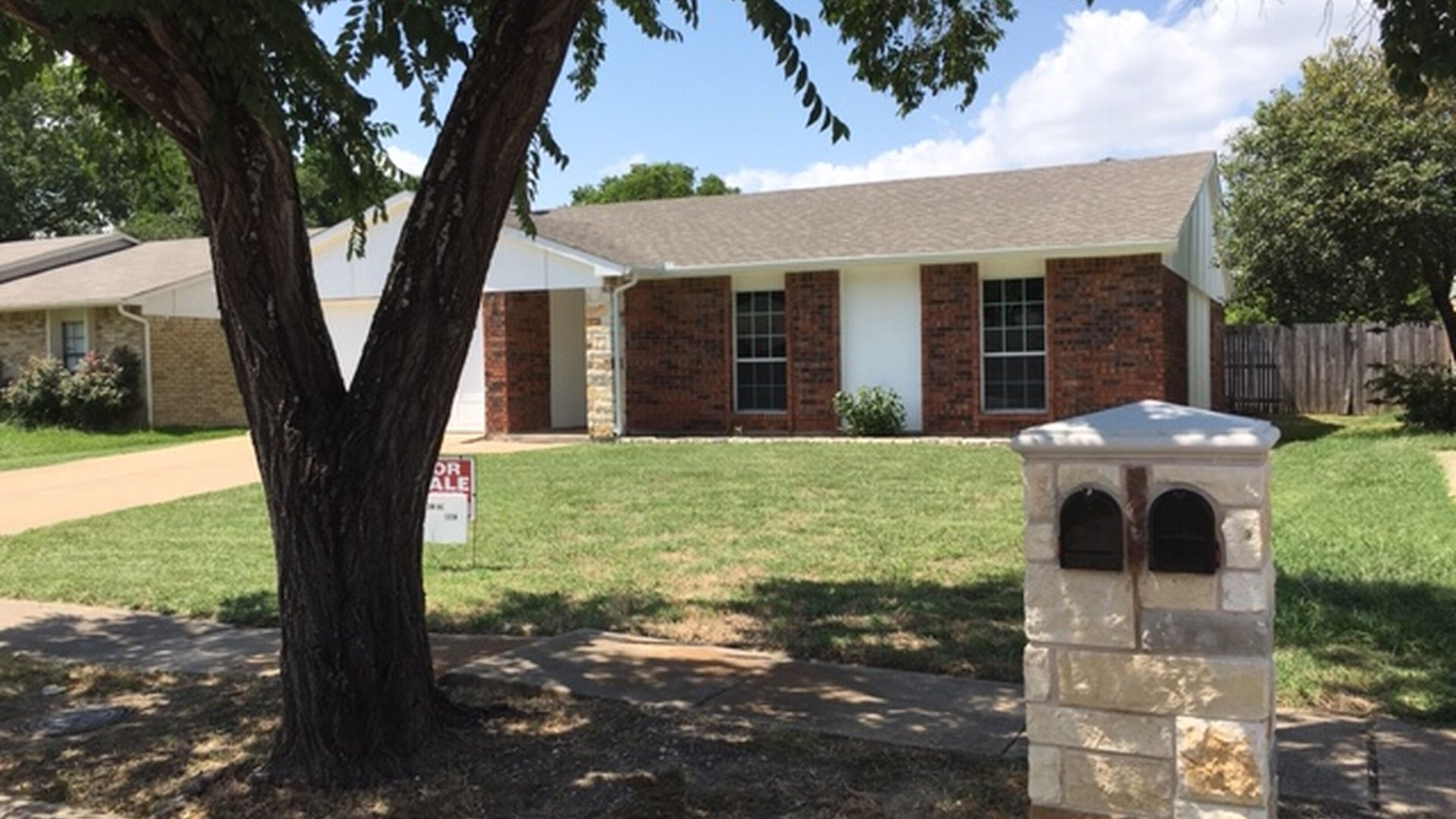 Astonishing Grand Prairie Tx For Sale By Owner Fsbo 13 Homes Zillow Complete Home Design Collection Papxelindsey Bellcom