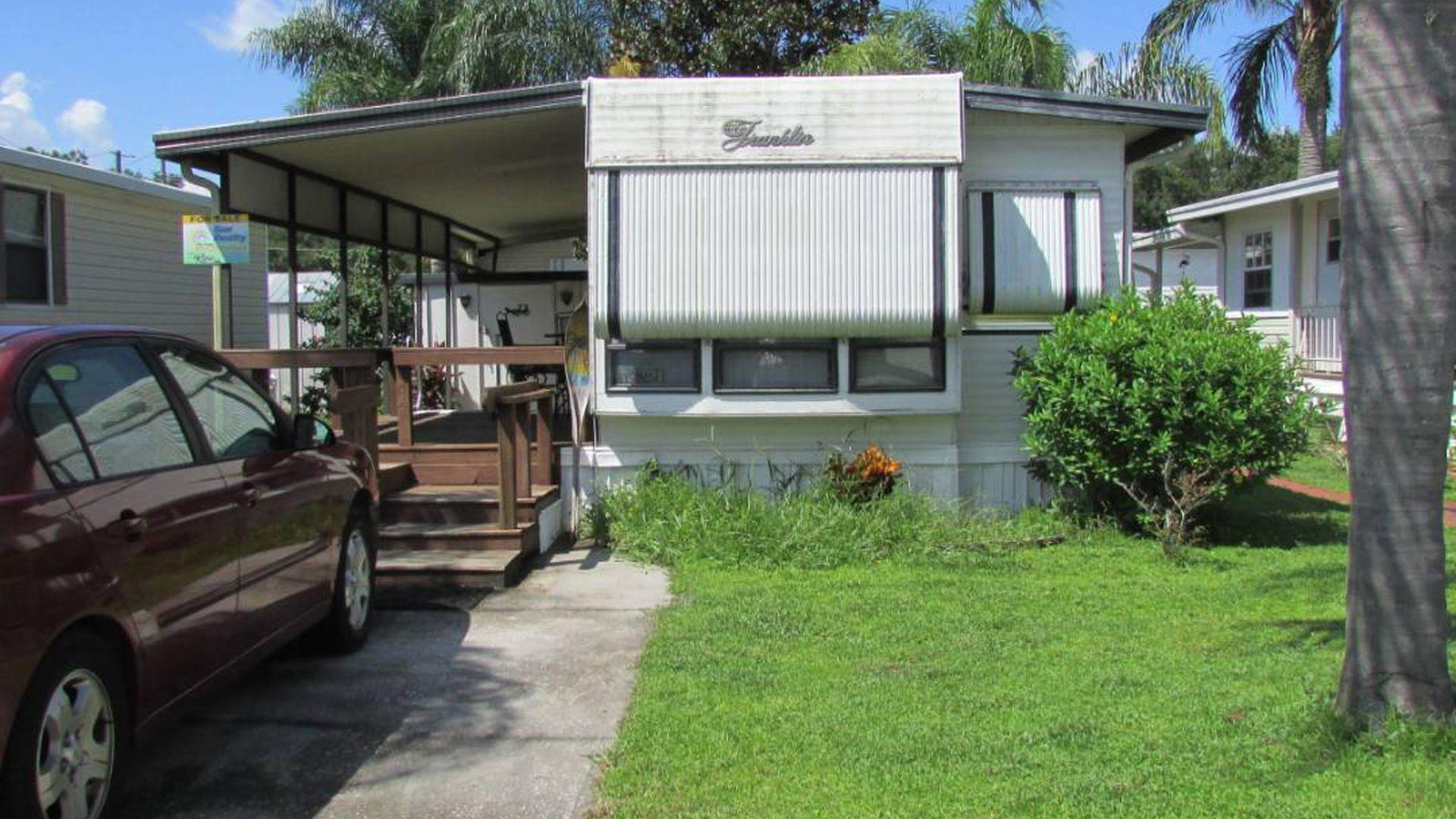 Mobile Home Park - Zephyrhills Real Estate - Zephyrhills FL