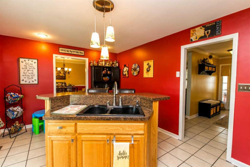 221 Park Ave, Harrodsburg, KY 40330   RealEstate com