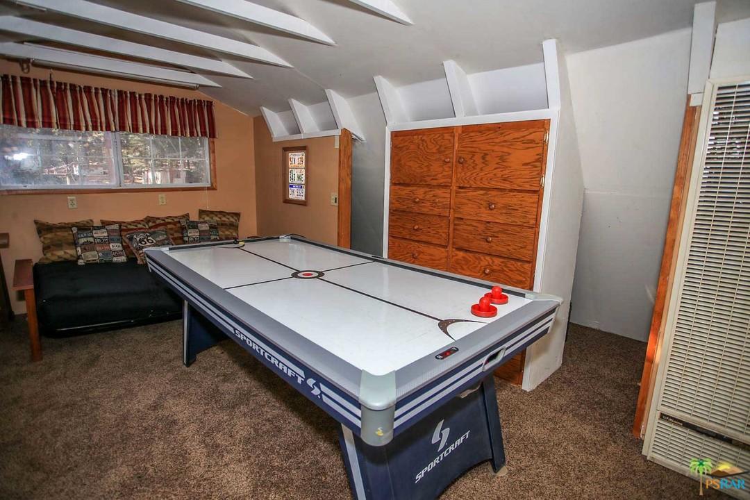Fox Dr Big Bear Lake CA RealEstatecom - Sportcraft monument billiard table
