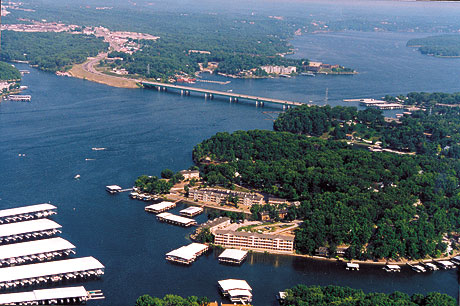 Lake Ozark Missouri >> Spring Green Cir Lake Ozark Mo 65049 Realestate Com