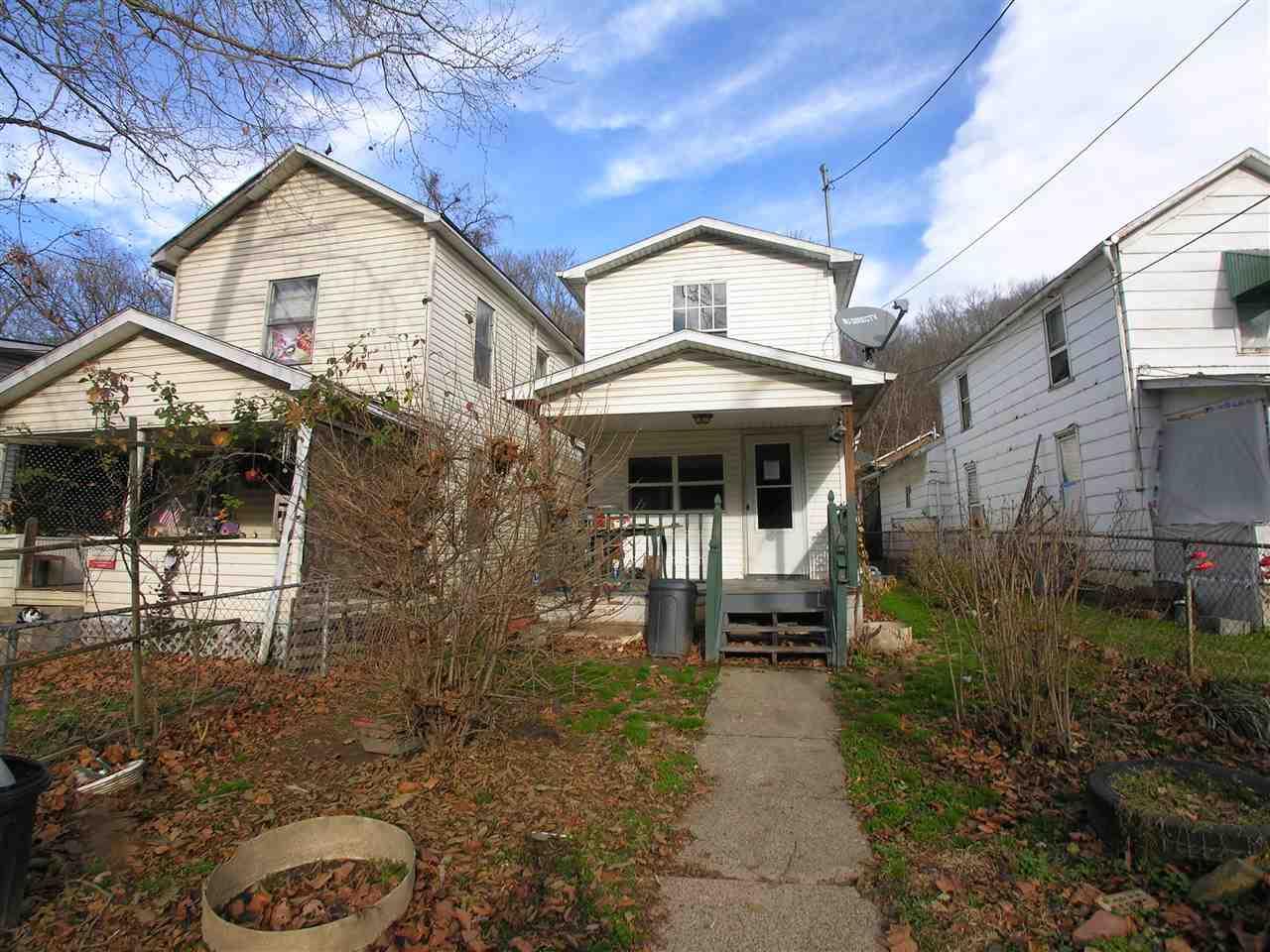 954 28th St, Huntington, WV 25705 | RealEstate.com
